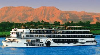 Barco y hotel