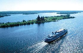 El crucero fluvial por el río