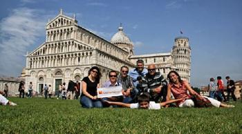 Solteros viajeros en italia, piza