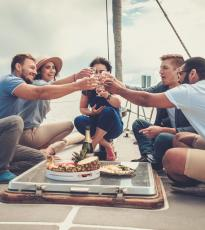 Grupo en velero